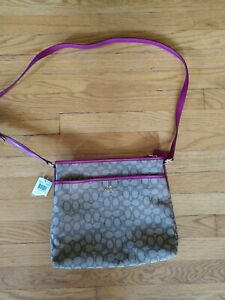 Nwt new w tags! Coach signature file crossbody bag Brown Raspberry