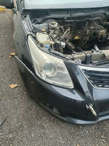 Toyota Avensis 2010 o.s.f Drivers Side Headlight Complete