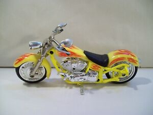 SPIN MASTER YELLOW DIE-CAST CHOPPER MOTORCYCLE 1/18 SCALE 2001
