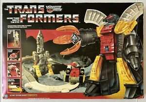 Transformers G1 (1985) Omega Supreme Complete w/Box  - Rare, Made in Japan
