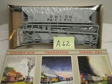 A-62 HO Walthers 932-5701 PS-2CD 4427 Covered Hopper Union Pacific 21695