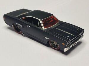 Maisto 1970 Plymouth GTX Pro Rodz Black Red Windows