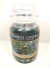 Yankee Candle Pinecone & Tassel 22 oz Large jar green