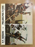 1970-71 NHL PHILADELPHIA FLYERS @ NEW YORK RANGERS VINTAGE HOCKEY PROGRAM