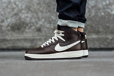 Nike Air Force 1 Hi Retrò QS Sneaker con Hi Tops af1-UK 9 (EU 44) CIOCCOLATO