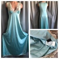 70s Vanity Fair Nightgown Shiny Pastel ANTRON III Fancy Lace Bodice Long Gown 34