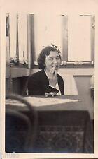 BL447 Carte Photo vintage card RPPC Femme manger voiture jouet ancien