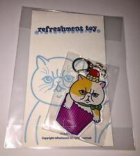 REFRESHMENT TOY CUPCAKE CAT PLASTIC KEYCHAIN SOFUBI JAPAN CURIOCON 2017 RARE