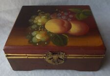 VINTAGE HAND PAINTED GRAPES & PEACHES HINGED WOODEN BOX
