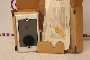 Dayton 4x445 Fan Control 3 Speed *NEW in Box*