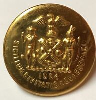 1 Vintage Antique Button w/ pin Waterbury Button Co 1664 Brass Tone #157A