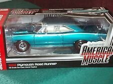ERTL/AUTO WORLD 1969  PLYMOUTH ROAD RUNNER 1/18
