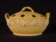RARE 1800s SIGNED WEDGWOOD POTPOURRI BOWL & LID CANE CANEWARE YELLOW WARE MINT