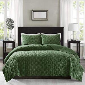 BEAUTIFUL ULTRA SOFT PLUSH MODERN CHIC ELEGANT GREEN TEXTURED VELVET QUILT SET