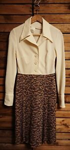 Vintage 1970s Dagger Collar Cream/Brown Pleated Day Dress. Size 12