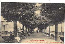 64 - cpa - PAU - Sur le Boulevard du Midi