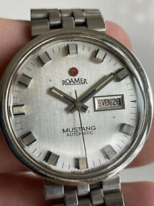 RARE VINTAGE ROAMER MUSTANG DAYDATE STAINLESS STEEL AUTOMATIC MENSWATCH