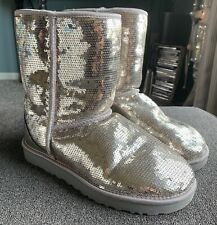 UGG Women's Classic Short Boots Gold Sequins Rubber Sparkles Size 9 Mint Cond!