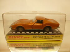DINKY TOYS 221 CHEVROLET STINGRAY - GOLD METALLIC - GOOD CONDITION IN SHOW-CASE