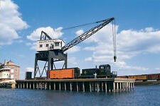 WALTHERS CORNERSTONE HO PIER AND TRAVELING CRANE KIT WAL9333067