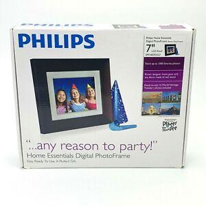 "Philips SPF3407D/G7 Digital Photo Frame 7"" Brown Wood Frame New-Open Box"