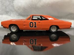 ERTL Dukes of Hazzard General Lee 1/25th Scale 1981 Date China Great Condition