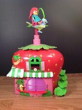 Strawberry Shortcake Berry Bitty Cafe Playset with Doll, Duck & Twirl Bird