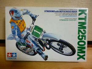 TAMIYA 1:12 KTM 250MX WITH MOTOCROSS RIDER MODEL KIT
