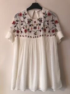 Zara Cream Playsuit with Floral Embroidery - size XS
