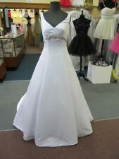 WHITE FOREVER YOURS Bridal Gown Dress Size 4/6 $750-ORIG PRICE #48204