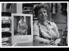 """LE PRE-SAINT-GERVAIS (93) MARCHANDE au COMMERCE de LINGERIE """"CHANTELLE"""" en 1989"""
