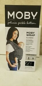 Moby Petunia Pickle Bottom Baby Wrap Carrier, Strolling in Salvador