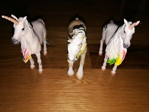 Lot of 3 Schleich Figures 2 Unicorns and 1 Horse