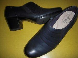 Clarks Emslie Guide Ruched Leather Block Heel Shooties Boots Women 8 M Navy 8M~