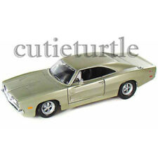 Maisto 1969 Dodge Charger 1:24 Diecast Model Car 34256 Champagne Silver