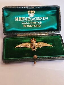 Stunning 9ct white yellow gold RAF brooch! Absolutely gorgeous!