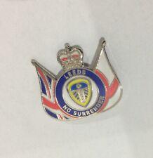 LEEDS UNITED Football Club FC Badge Enamel Supporters UTD LUFC Pin 73