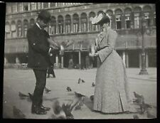Glass Magic Lantern Slide VENICE FEEDING PIGEONS C1910 OLD PHOTO ITALY VENEZIA