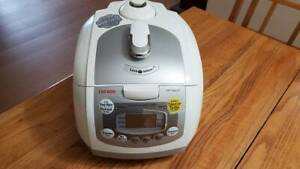 CUCKOO CRP-FA0610F 6 Cup Pressure Rice Cooker Warmer
