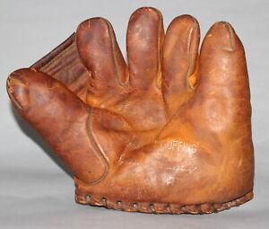 Antique 1930's Davega Chas. Red Ruffing buckle back split finger baseball glove