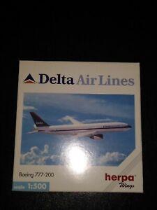 Herpa Wings Delta Air Lines N860DA Boeing 777-200 Die-Cast 1:500 Airplane 1998
