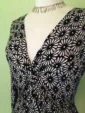 Ivory Black Retro Floral Geometric Daisy Print Stretch Twist Empire Line Tunic M