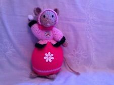 NEW  KNITTED SNOWBALLER LADY MOUSE TOY DESIGN ALAN DART