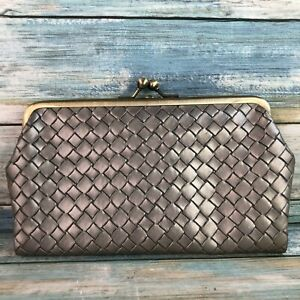 Kimchi Blue Woven Grey Faux Leather Magnetic Kiss Lock Wallet Clutch