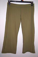 Lululemon Size Medium Womens Green Capri Athletic Pants