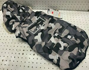 Hotel Doggy Adventure Wear Thinsulate Dog Coat Size Large Gray Magnet Camo