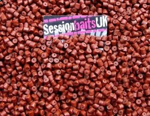 SPICY SAUSAGE PRE-DRILLED HALIBUT PELLETS HIGHLY FLAVOURED 8MM RED 80G