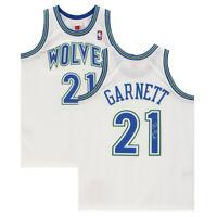 KEVIN GARNETT Autographed Minnesota Timberwolves White Jersey FANATICS