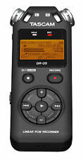 Tascam DR-05 V2 Linear-PCM/MP3-Recorder + MicroSD 4GB