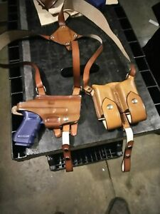 Glock 19/23/32 shoulder holster with double magazine